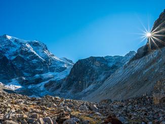 Mont Collon und Panorama mit BLendenstern an der Kante rechts_Z625879-Signet-web.jpg