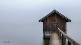 Ammersee kleines Badehaus Stegen im Nebel_DSC3883-Signet-web.jpg