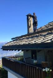 Schornsteinfeger Dach Kamin.jpg