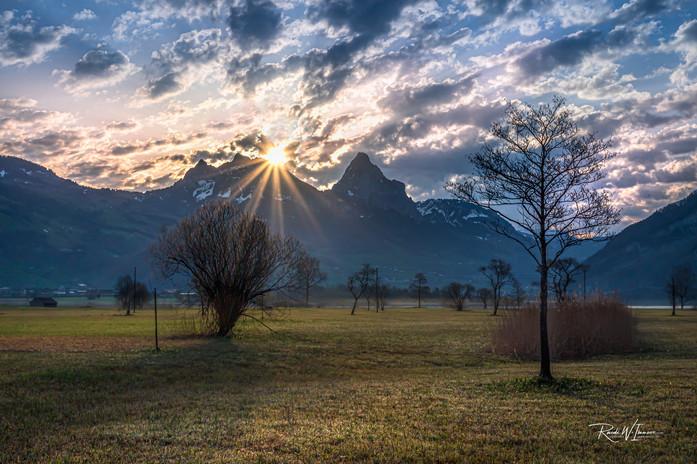 Sonnenaufgang Lauerz Mythen