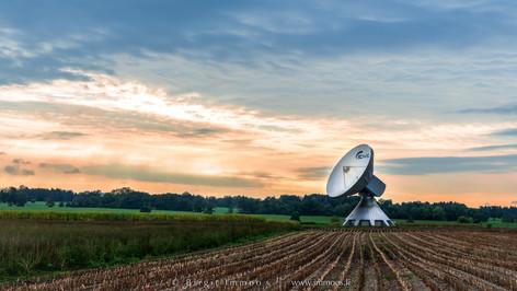 Diessen-Antenne-Stoppelfeld-Abendrot_DSC