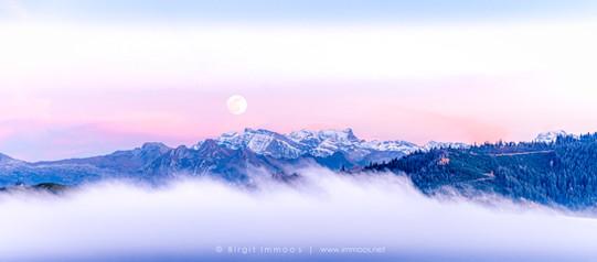 Glärnisch-rosa-Vollmondaufgang-Comp-Gla