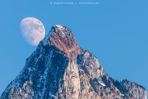 Mythen-Mond-Tele-gross-früher-Mondaufga