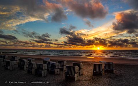 Sylt-Kampen-Sonnenuntergang-Strandkörbe-