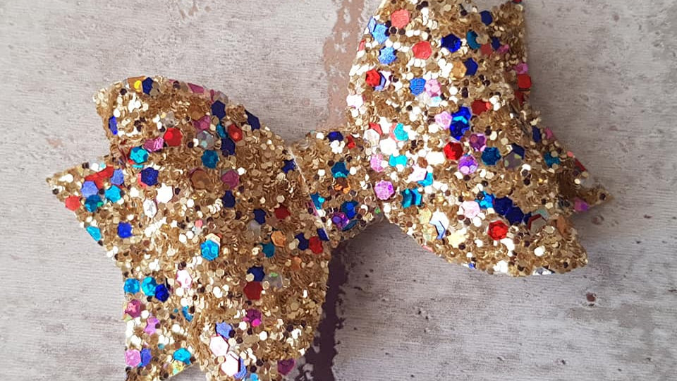 Sparkly treasure chest bow