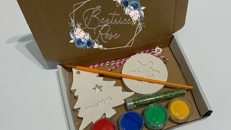 Paint your own bauble craft kit