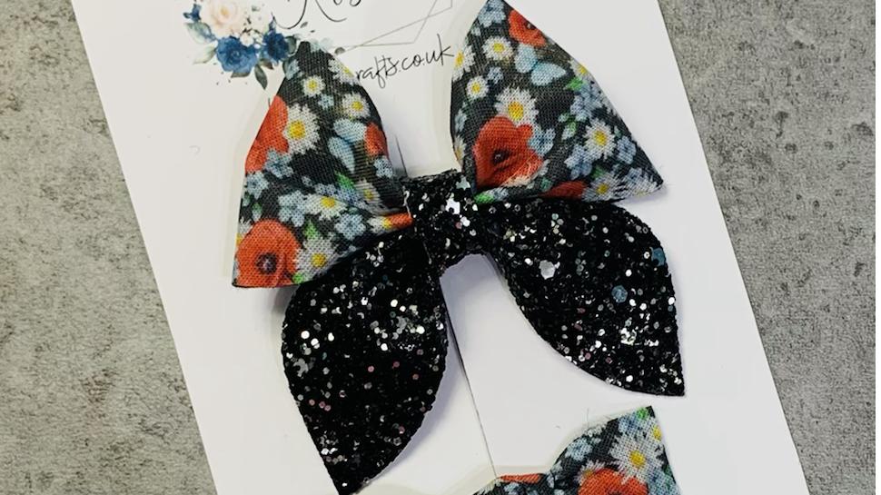Black poppy sailor bow and clip