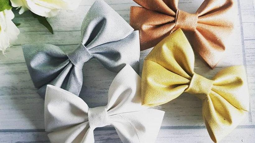 Metallic cotton ribbon bows