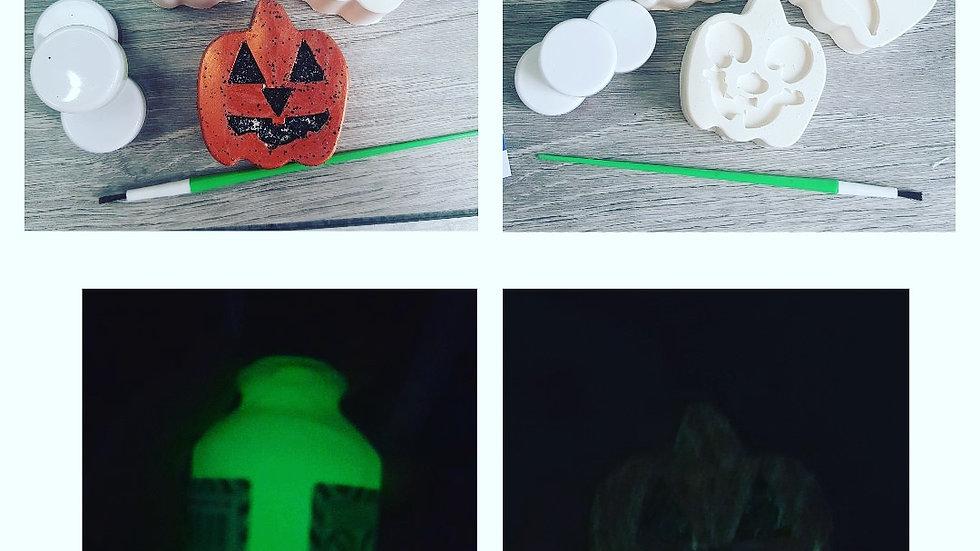 Halloween paint craft kit