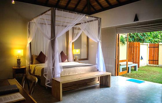 room_inside&garden.jpg