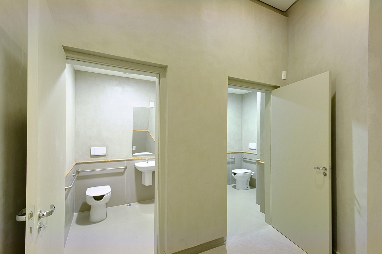 Banheiros PNEs