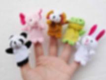 main avec des marionnette