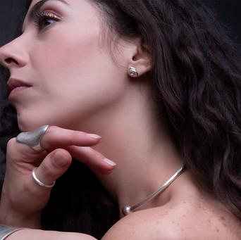 ancientgreekjewellery ancient greek jewellery agj kallisto ring sphaera 5 choker heliades ring mikros kombos earrings