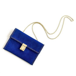 L A P I S B L U E _ _Strong and confident, this intense blue shade is imbued with an inner radiance_