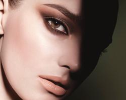 makeup striking