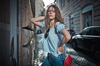 Parisienne fashion blogger in rome