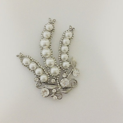 Extra Large Beautiful Pearl Needle minder