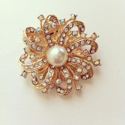 Rhinestone&Pearl Floral Swirl Needle minder