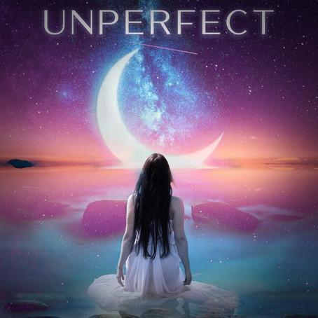 """L'artiste normande Maily sort son premier album """"Unperfect"""""""