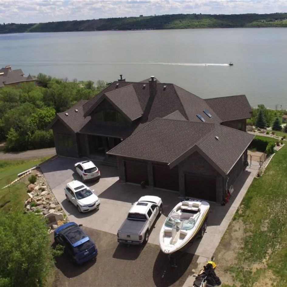 Rock Ridge Home - Last Mountain Lake, SK