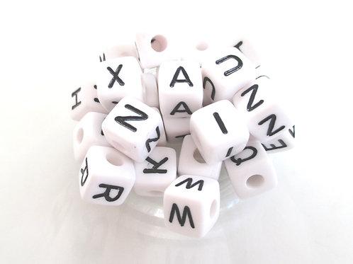 Lot de 26 Perles Alphabet en Acrylique