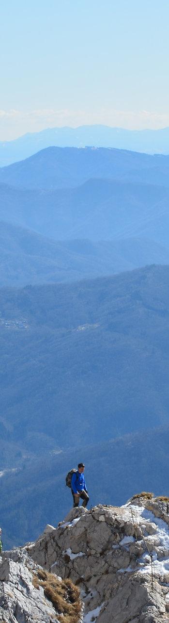 mountain-1210900 b.jpg