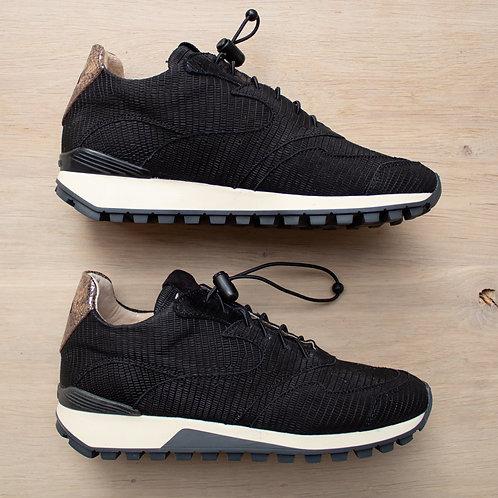 0183 Matzwarte sneaker ViaVia