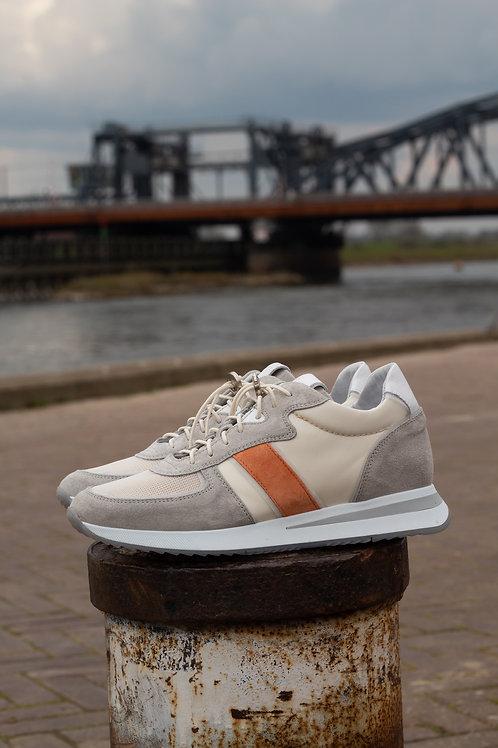 0175 Ecru sneaker met oranje detail ViaVai