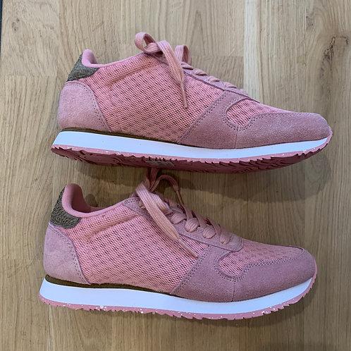 0418 Roze sneaker Woden