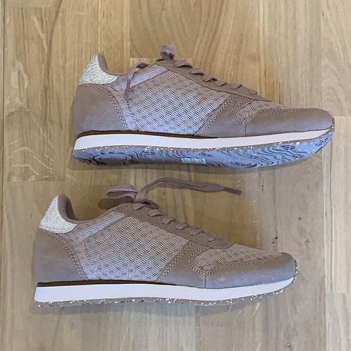 0414 Oudroze sneaker Woden