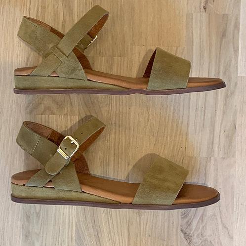 0612 Groen suéde sandaal RedRag