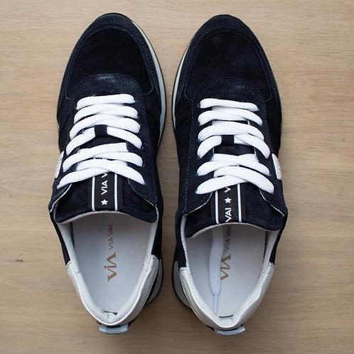 0170 Donkerblauw suede sneaker ViaVai