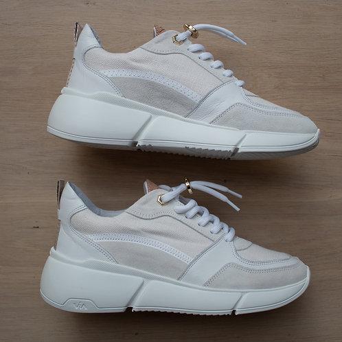 0180 Witte sneaker ViaVai