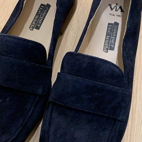 0188 Blauw suede loafer ViaVai