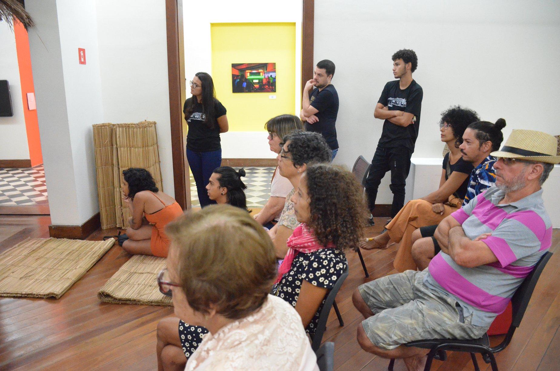 Exposição Radiolas Fotografia: JC CURTIS/FUNDACC