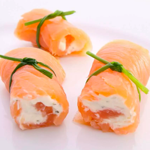 Рулетки из семги с сыром