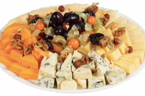 Квартет сыров с ягодами, сухофруктами и орехами, 650гр