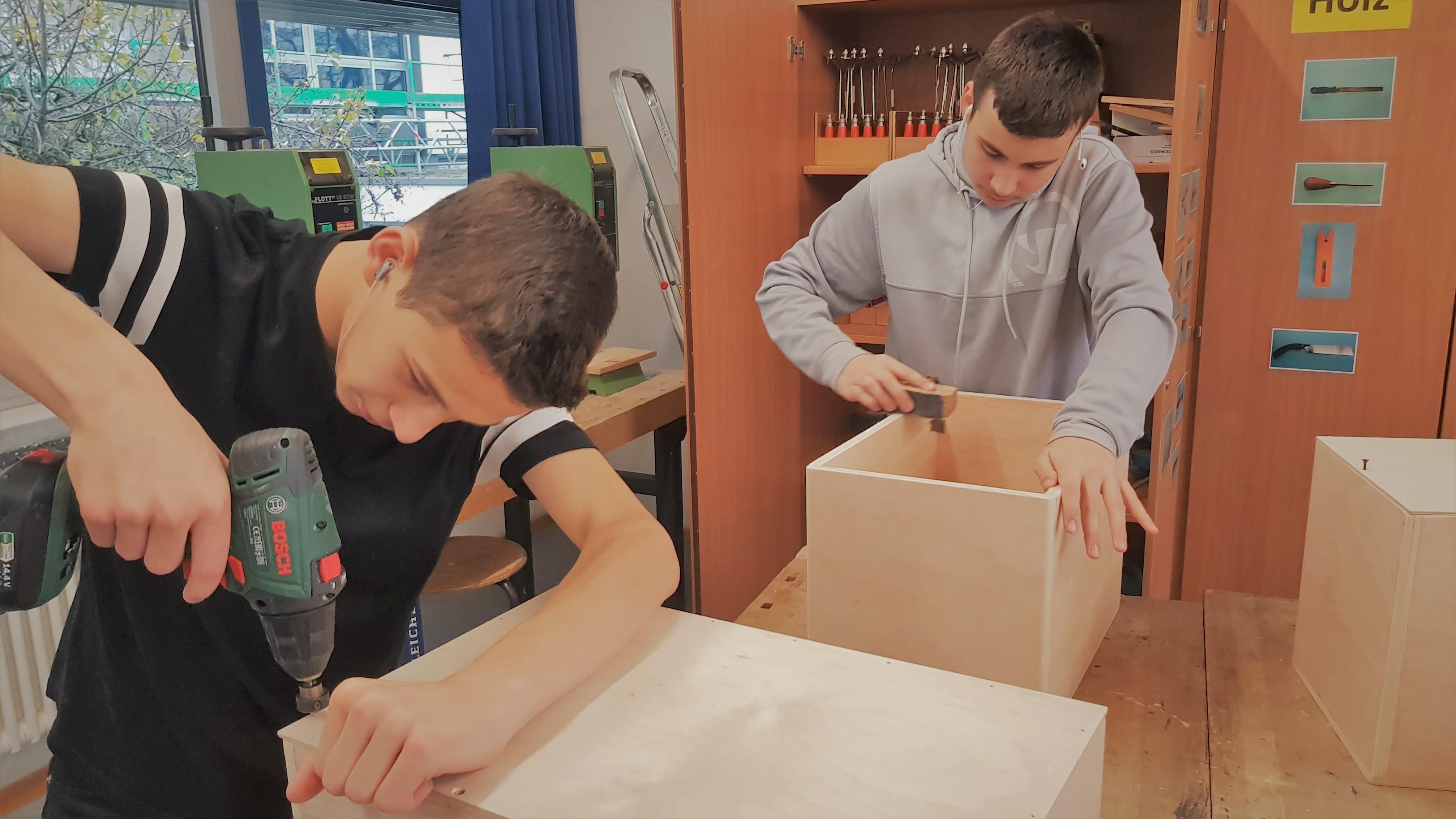 Cajòn Bau und Spiel Workshop