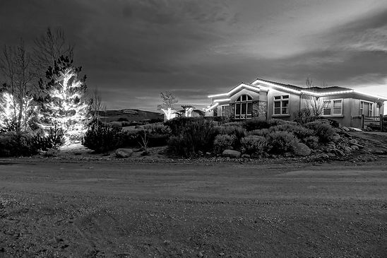 gardnerville_christmas_lights-bw-sm.jpg