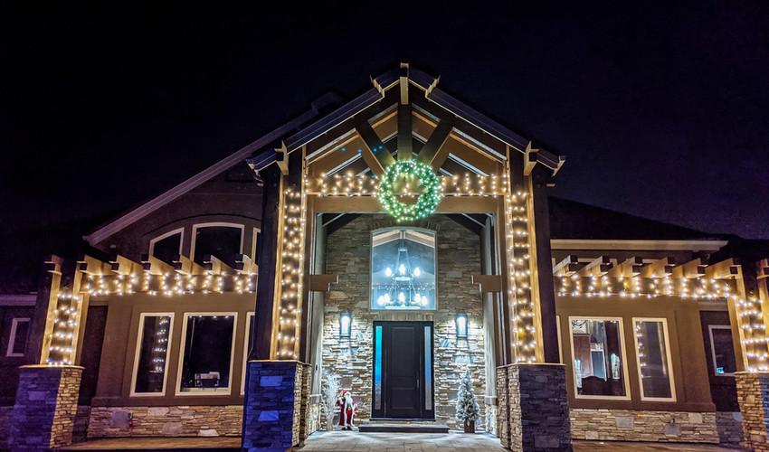 Gardnerville_christmas_lights.jpg
