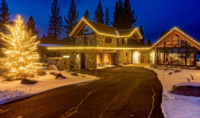lahontan_christmas_lights.jpg