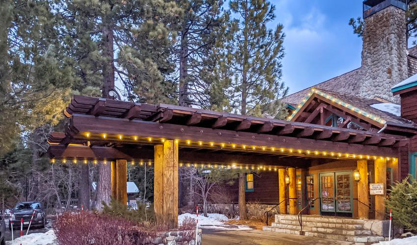 Sunnyside_Tahoe_Christmas_Lights.jpg