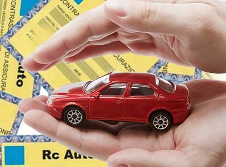 Rc auto: assicurazioni false su internet, sette siti da evitare