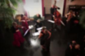 IMG_3606 Gruppe mit Tanz vignette.jpg