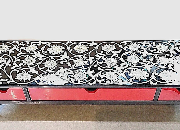 Mother of Pearl Table Top Console Jewellery box with Chrysanthemum Blossoms
