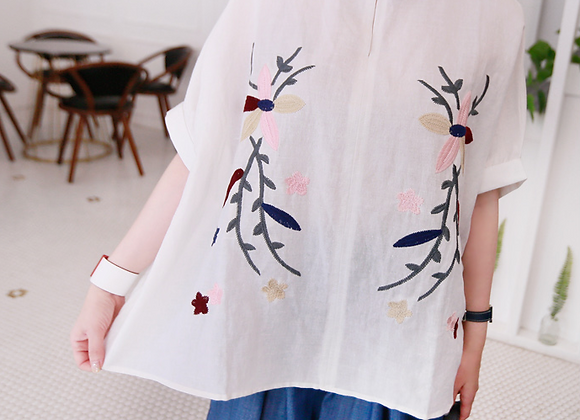Cotton & Linen Blended Flower Embroidery Blouse
