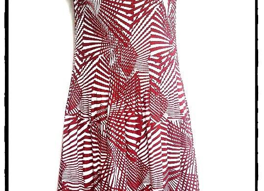 Red Pleated Line Splitting Patterned Short Sleeved Dress
