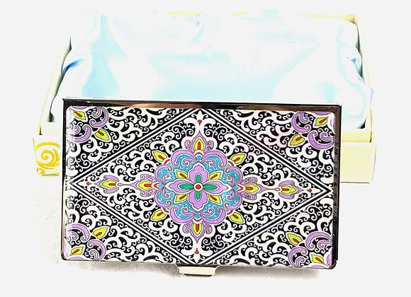 Anti-Scan Credit Card Wallet with Arabesque Pattern in Light Purple