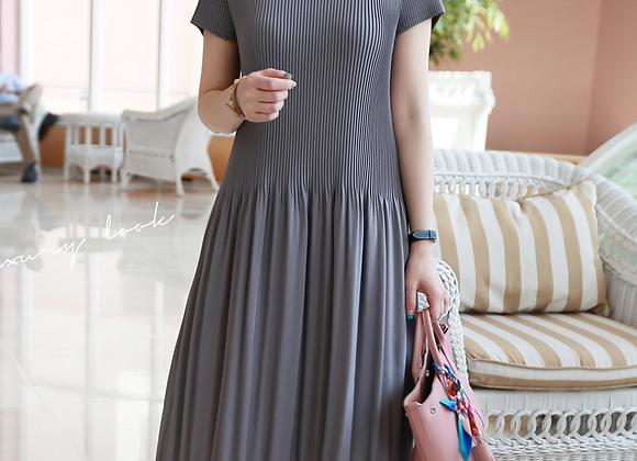 Short Sleeve 3/4 Length Pleated Dress