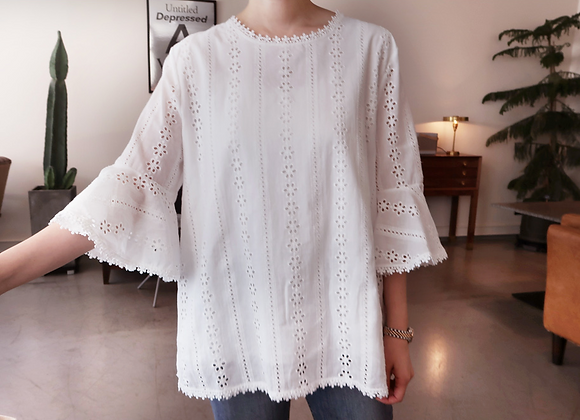 Punching Flower Patterned Lace Blouse